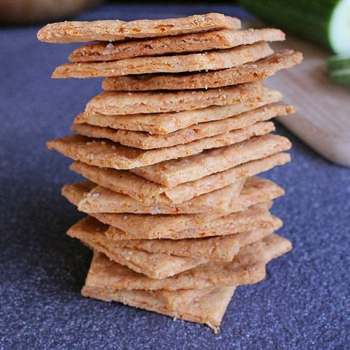 Crunchy Low Carb Cheese Crackers