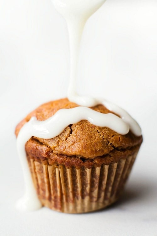 Low Carb Cinnamon Roll Muffins